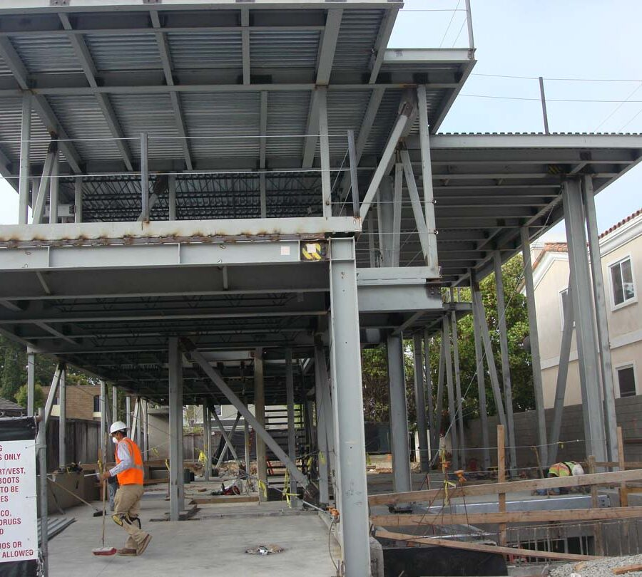 Poured the foundation and installed steel columns for a custom home in Manhattan Beach, CA. Pacificland Constructors