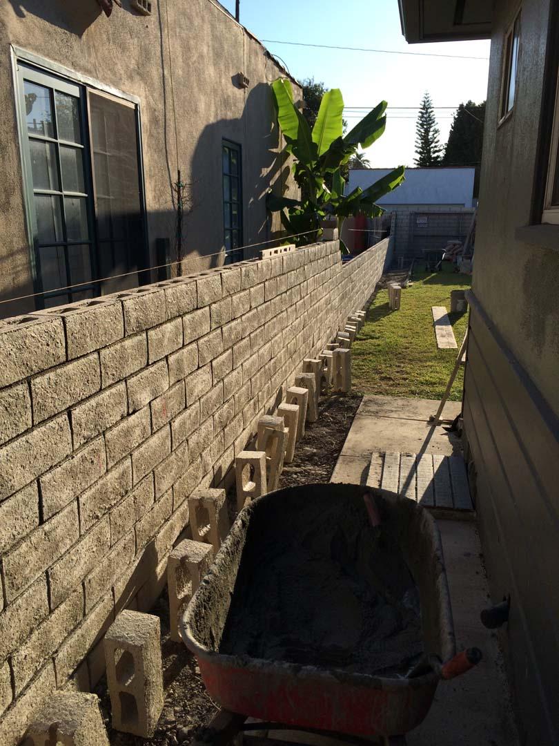 Slump Stone Brick : Cmu slump block wall long beach contractor masonry