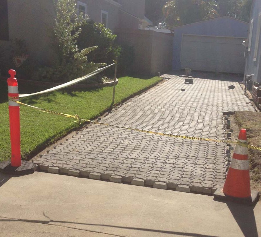 Construction of new pavers for a driveway, please view the catalogs on our website for ideas for your new driveway, walkway, or patio. Pacificland Constructors