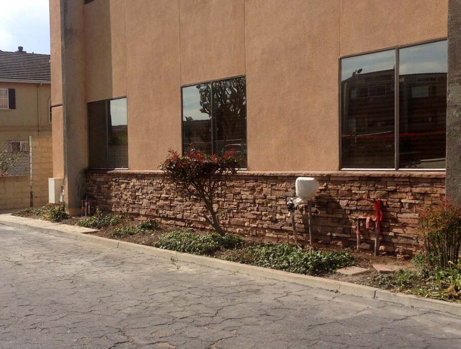 New artificial stone veneer on the sides of a new commercial project. Pacificland Constructors