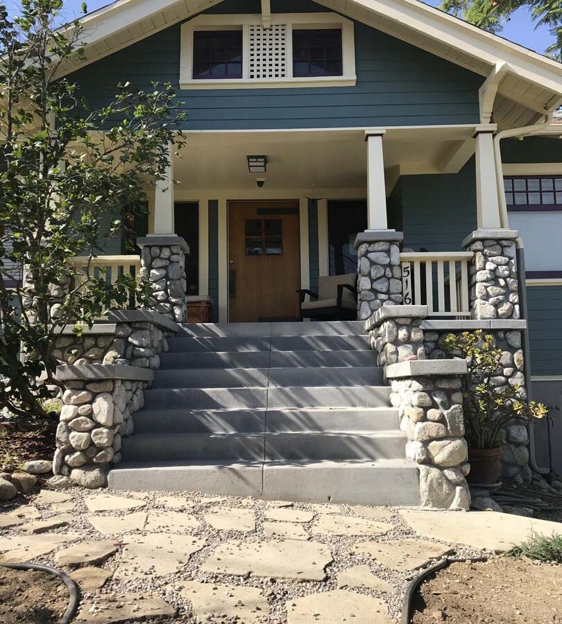 New front yard flagstone work and stone work for the entrance of a home in Eagle Rock, Los Angeles, CA. Pacificland Constructors